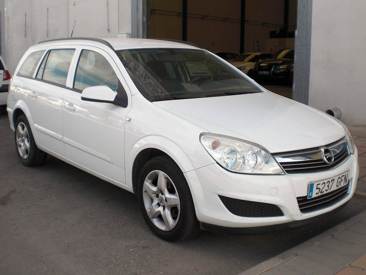 Used Opel Astra Estate Spain
