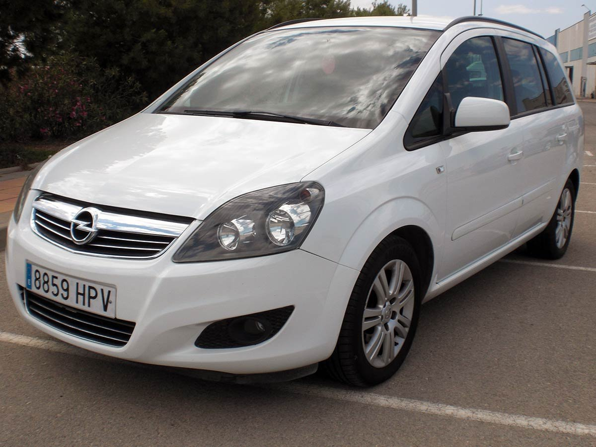 Used Opel Zafira 7-Seat Spain