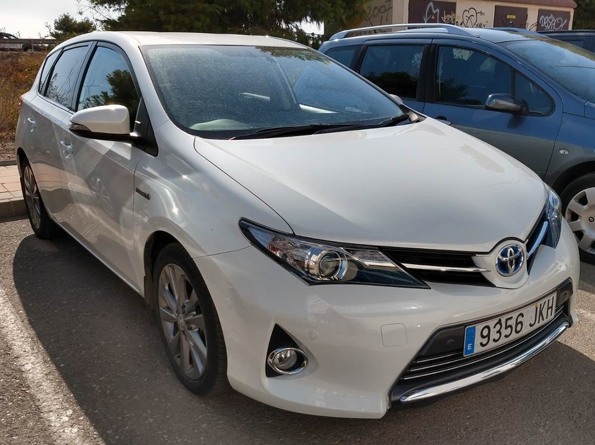 Used Toyota Auris Hybrid (RHD - ES) Spain