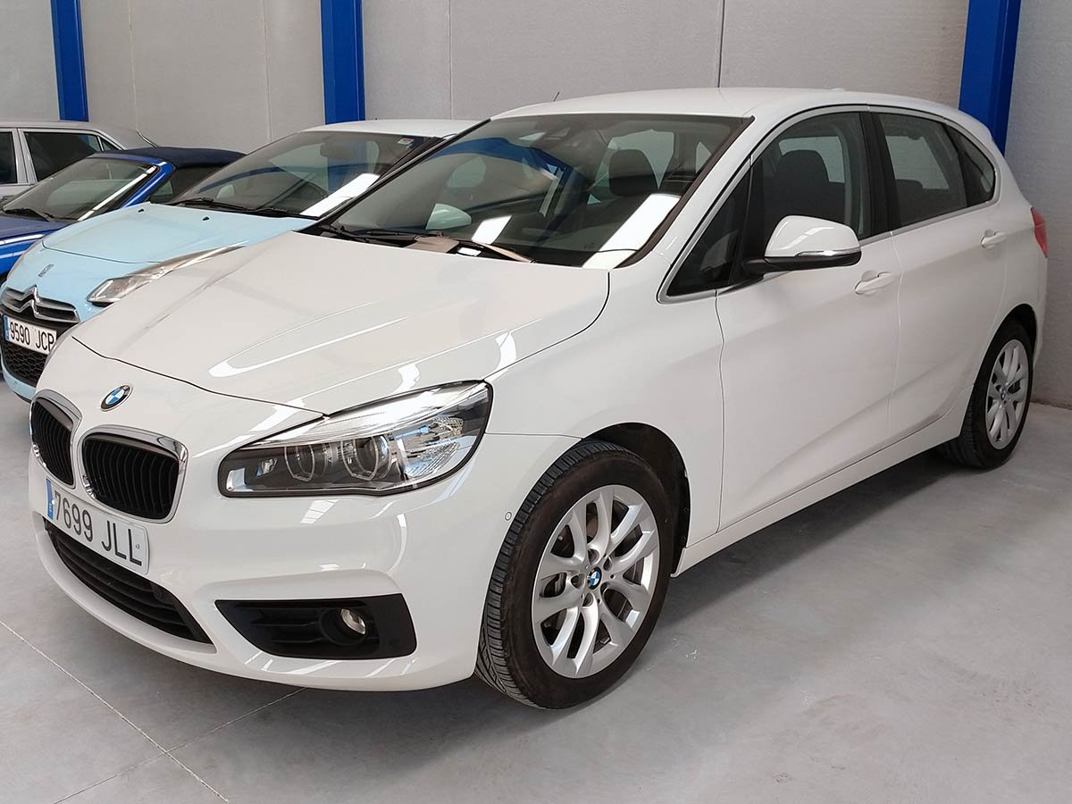 Used BMW 218D Tourer Spain