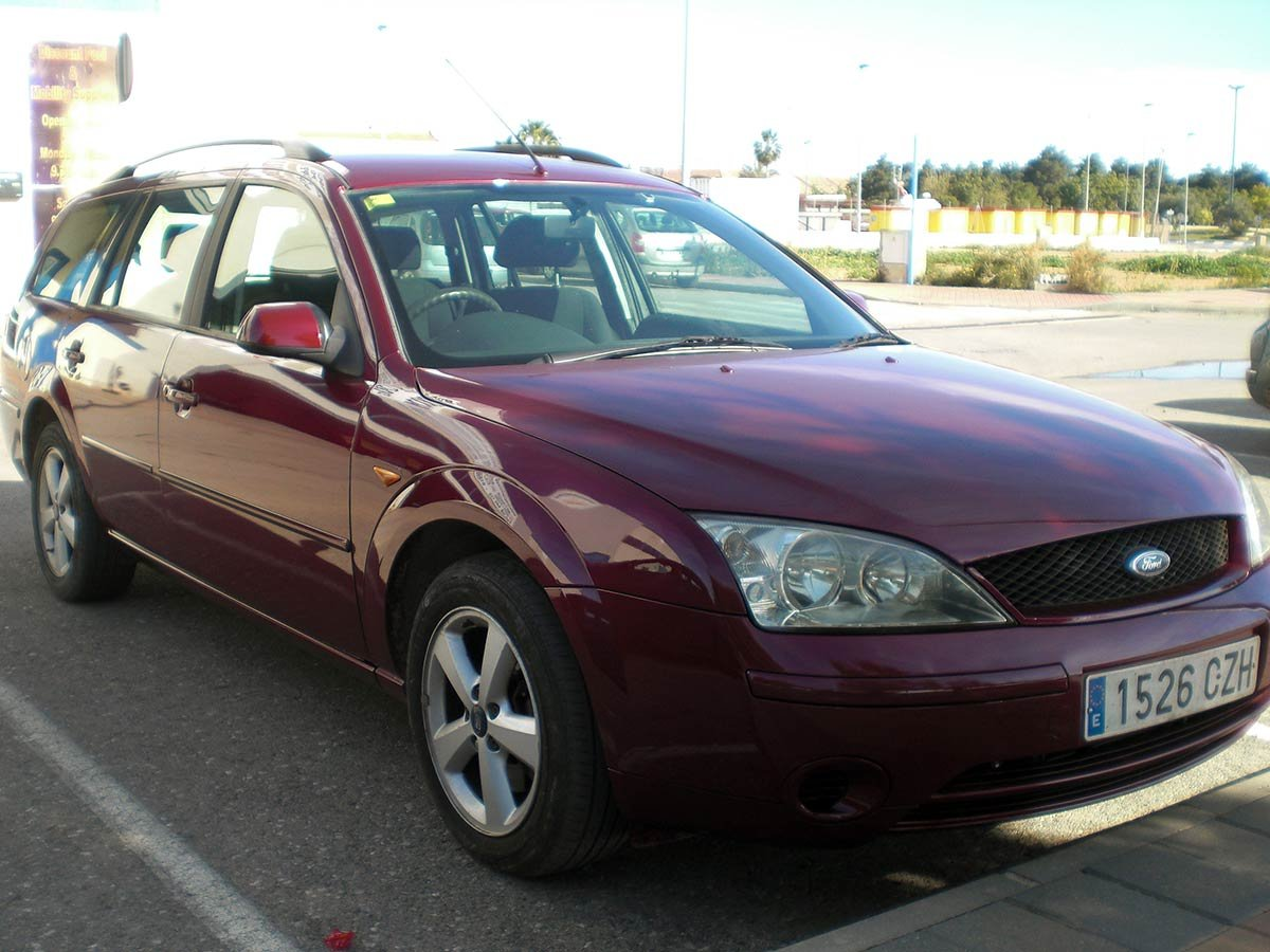 Ford Mondeo Estate (RHD - ES)
