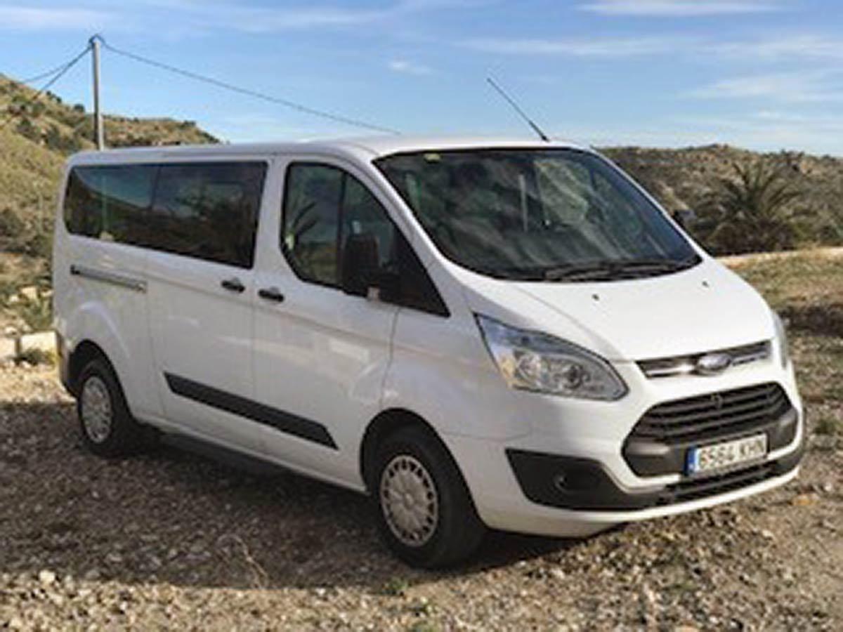 Ford Tourneo 9 seat minibus