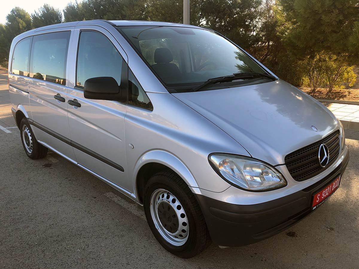 Mercedes Vito 9-Seat Minibus