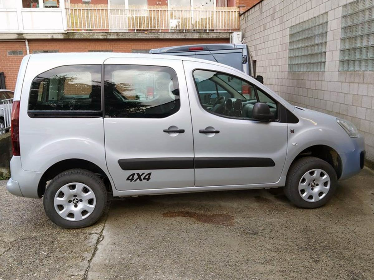 Used Peugeot Partner TeePee 4x4 Spain